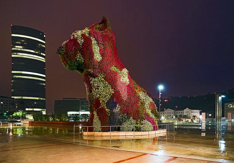 Figure 4. Jeff Koons, Puppy (1992). Guggenheim Bilbao, Spain.